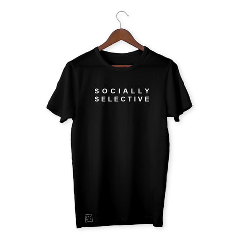 BLACK T-SHIRT / SOCIALLY SELECTIVE