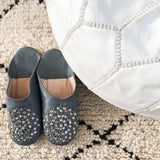 BABOUCHE SLIPPERS IN GREY