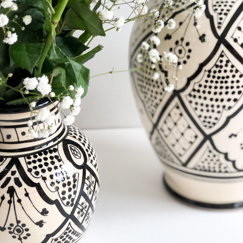 SMALL ZWAK VASE IN MONOCHROME