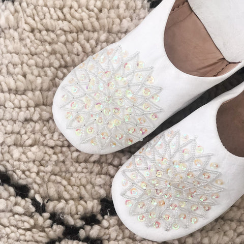 BABOUCHE SLIPPERS IN WHITE