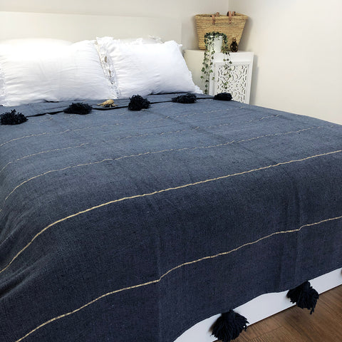 BATTANIA BLANKET IN DARK BLUE & GOLD