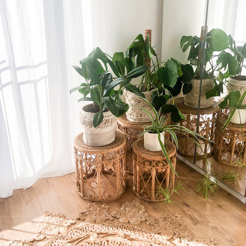 LARGE VINTAGE 1970s RATTAN SIDE TABLE / PLANT STAND