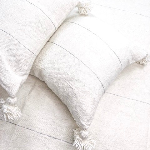COTTON & WOOL TASSEL CUSHION COVER