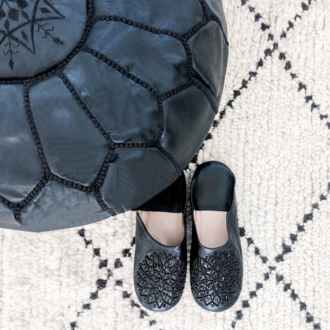 BABOUCHE SLIPPERS IN BLACK