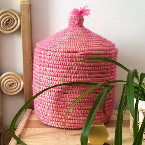 VINTAGE BERBER BREAD BASKET IN REED & PINK WOOL