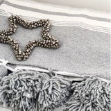 BATTANIA BLANKET IN SOFT GREY & WHITE