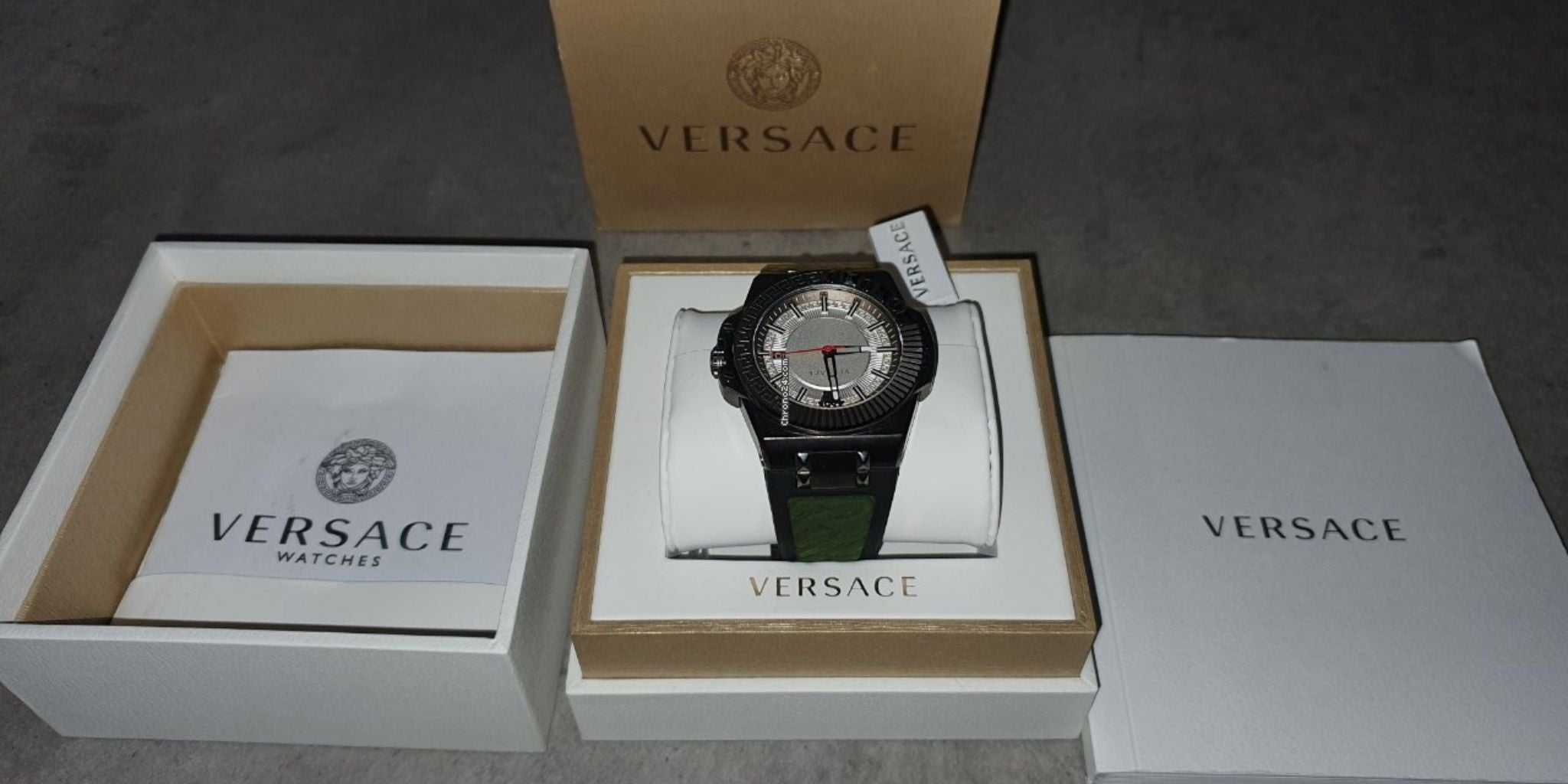 Get prompt delivery of Versace watches