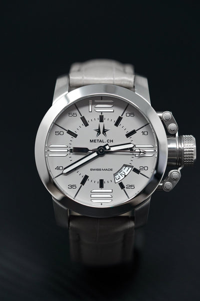 Metal.CH Initial 47MM Date Grey - Watches & Crystals