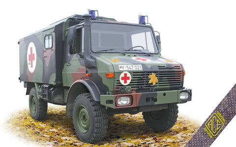 Ace Military 1/72 Unimog U1300L 4x4 Ambulance Kit