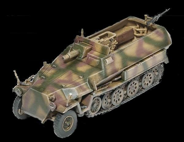 Revell Germany 1/72 SdKfz 251/9 Ausf C Med Armored Vehicle Kit