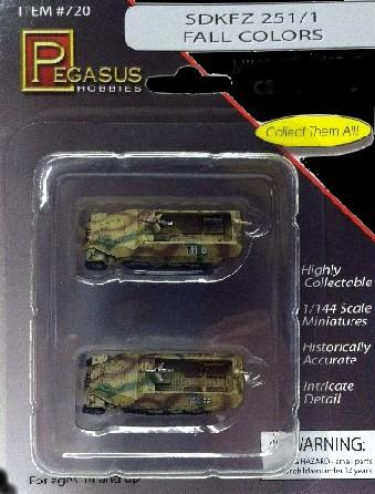 Pegasus Military 1/144 SdKfz 251/1 Halftrack #111/112 (Camouflage) (2) (Assembled)