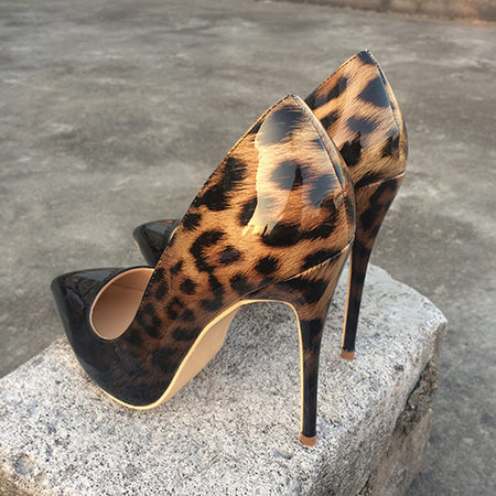 Veowalk Fashion Women Leopard Leather Pumps