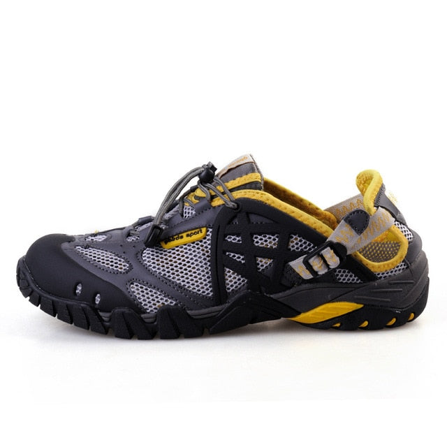 a53a119dc83 2019 Men Outdoor Sneakers Breathable Hiking Shoes Big Size Men Women  Outdoor Hiking Sandals Men Trekking