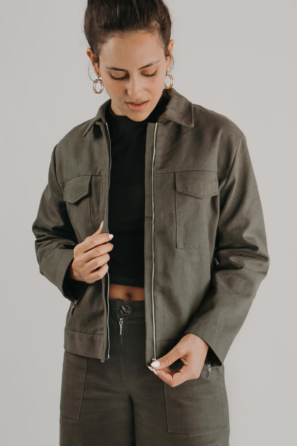 Jacket with pockets in KHAKI - zip closure