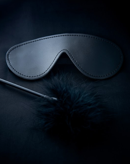 Yokubō  Blindfold & Feather Tickler
