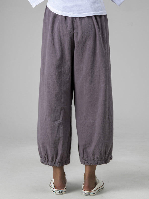 Women Gray Solid Cotton-Blend Casual Pants