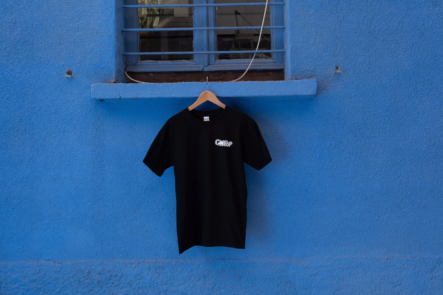 black ,t-shirt, logo ,japanese,style, famicom ,anni80, tv game,giocare, made in italy, katakana,street,fashion,pop