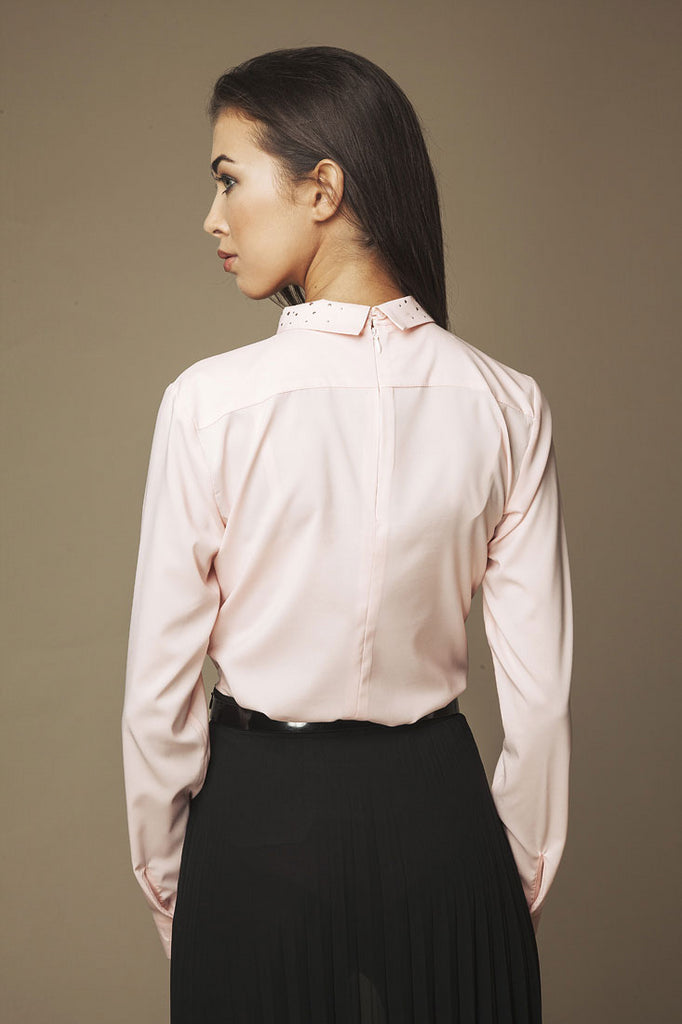 Blouse rose manches longues, col fantaisie (dos)