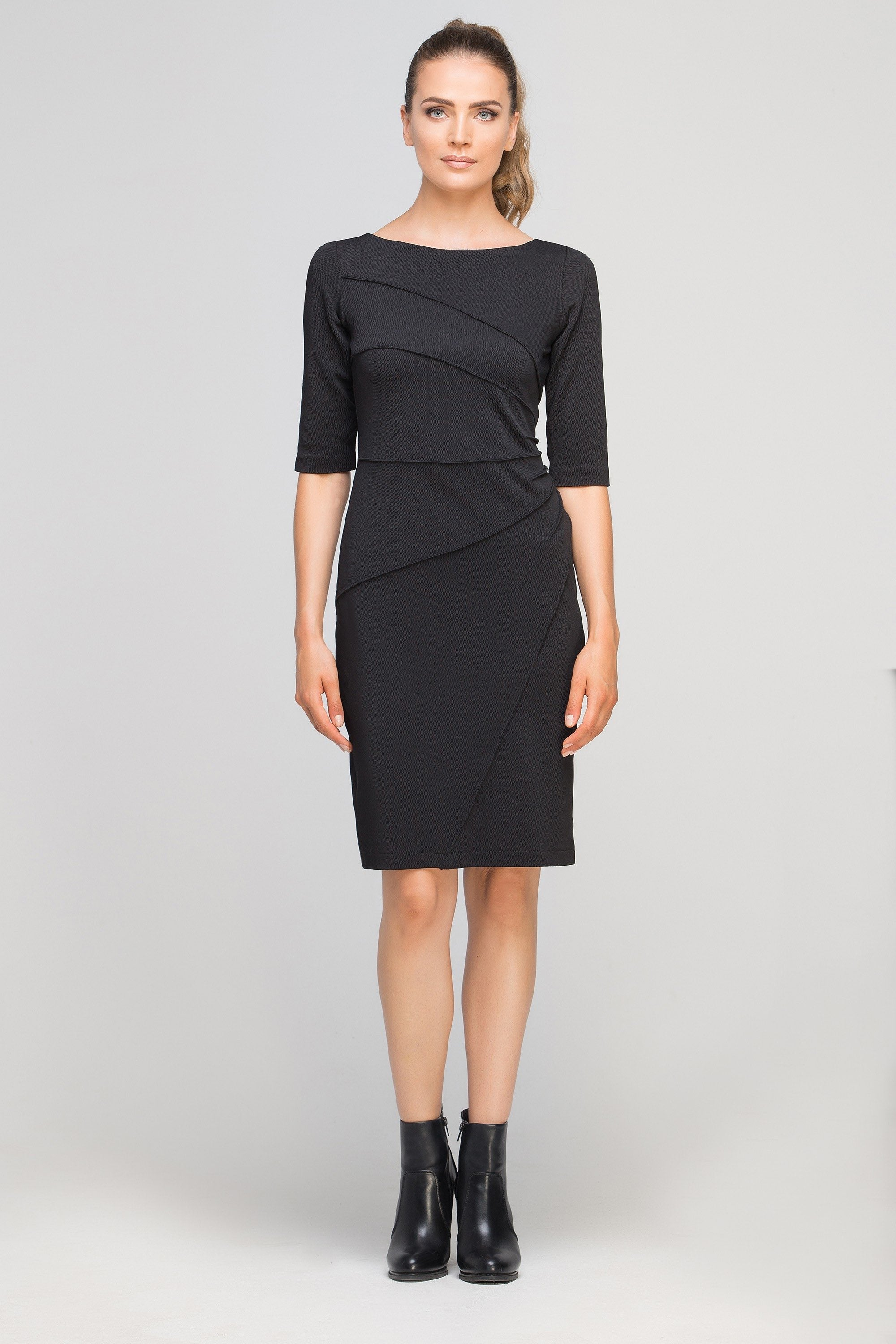 Robe Cintree Noire Incontournable Pour Un Look Glamour Mademoiselle Grenade
