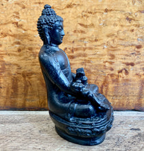 Load image into Gallery viewer, Black Buddha Statue