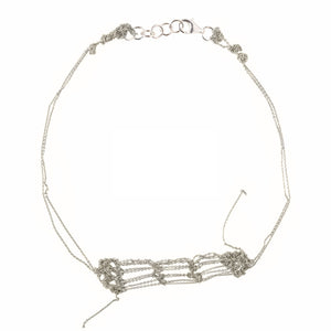 Clasped Bare Frame Necklace in Silver