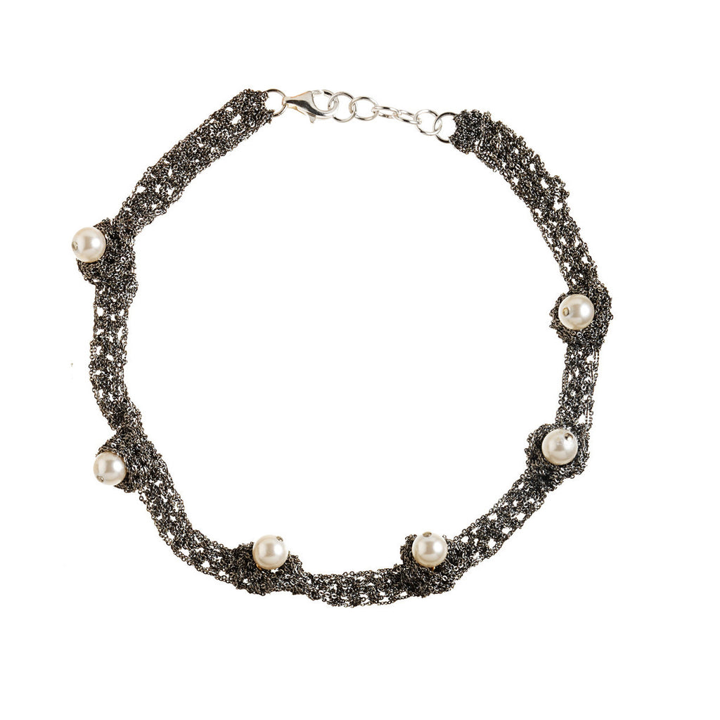 Pearl Nuggy Choker in Midnight