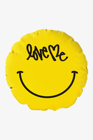 "Selectshop FRAME - SYNC. Curtis Kulig ""Smile"" Circle Cushion Lifestyle Dubai"