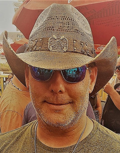 Brent Atwood in his Outlaw, Gone Country Hats brown bangora western fashion hat