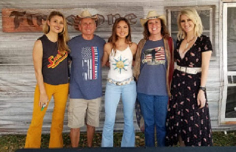 Runaway June with team Gone Country at Country Thunder 2019