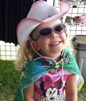 Little girl in 2Step Gone Country cowgirl hat