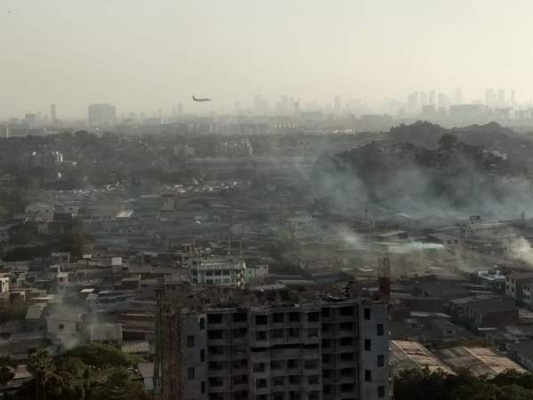 India's Richest City Welcomes tourists with Pollution as they Fly-In