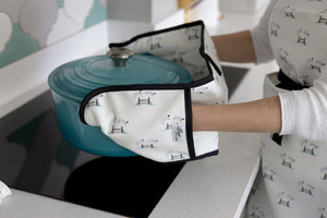 Jumping Sheep Oven Gloves
