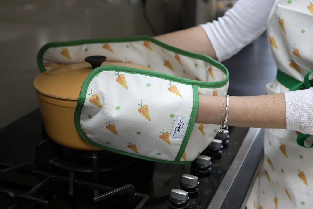 Carrot Oven Gloves