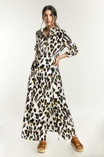 Vestido camisero animal print con mangas largas