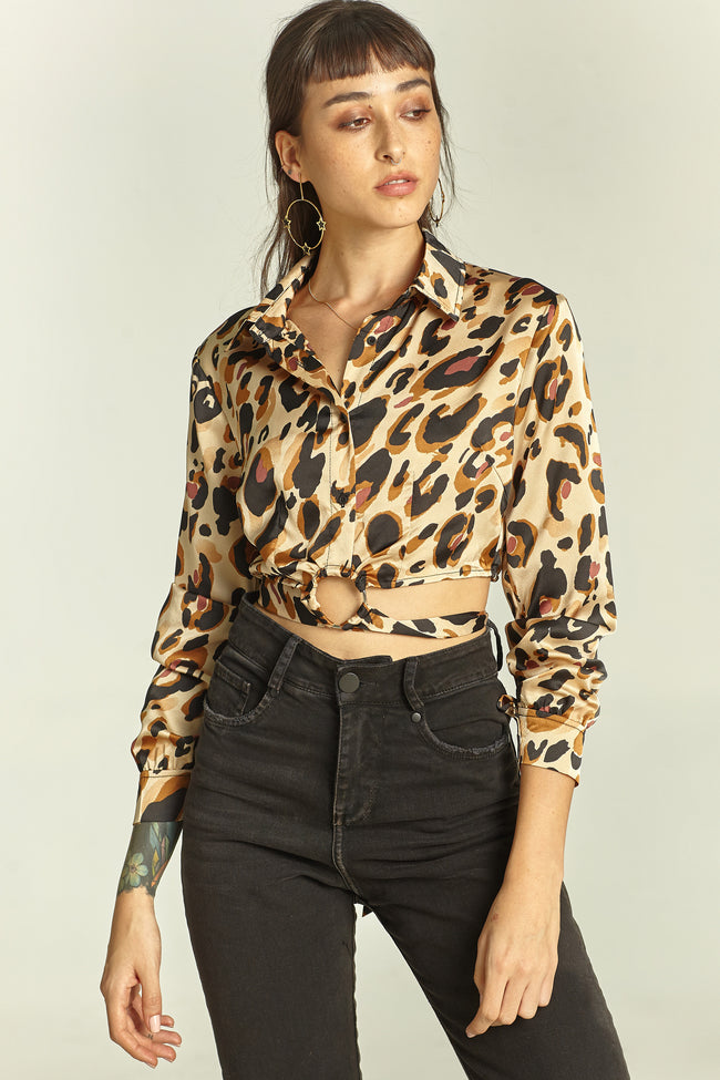 Blusa satinada animal print