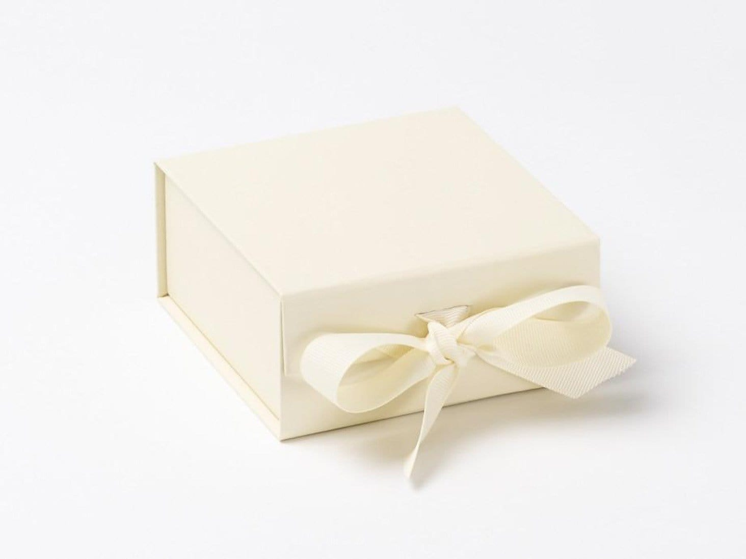 Sample Small Ivory Gift Box with fixed ribbon