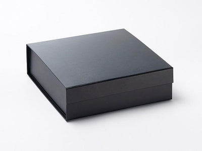 Medium Black Folding Gift Box With Magnetic Closure No Ribbon