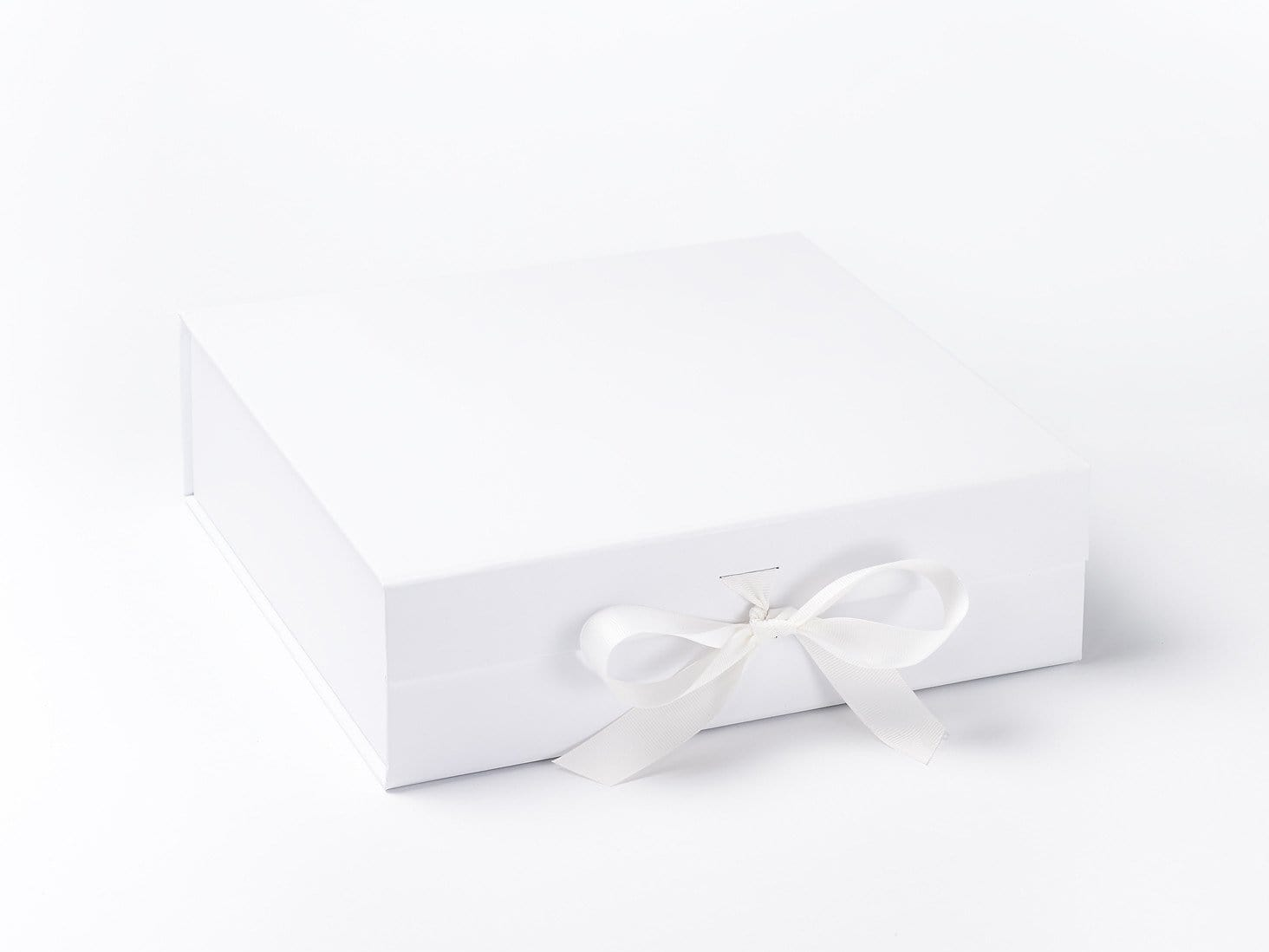 White Large Hamper Keepsake Gift Boxes With Fixed Ribbon