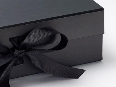 Large black gift box sample ribbon detail