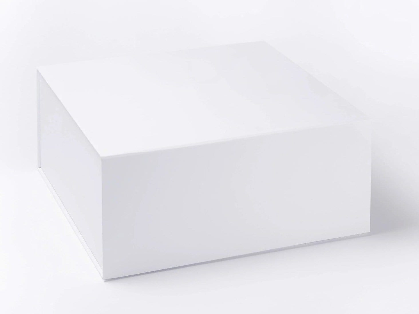 White Extra Large Deep Gift Boxes with Magnetic Closure