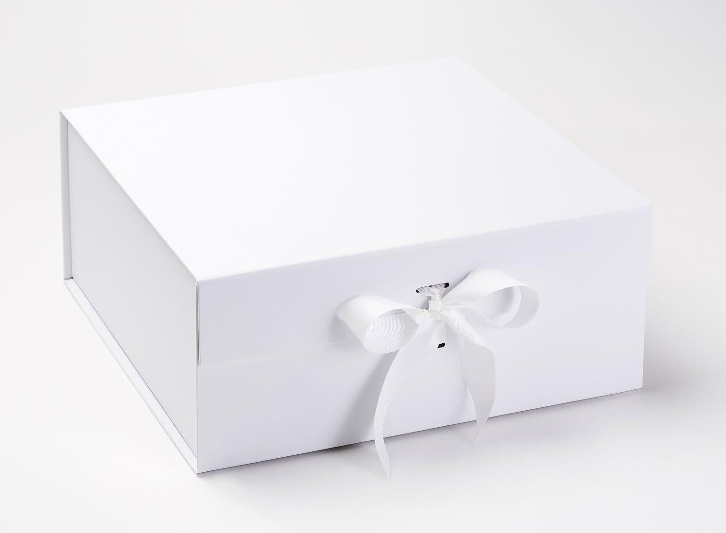 White XL Deep Gift Box with Changeable Ribbon Sample