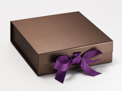 Ultra Violet Ribbon featured with Bronze Slot Gift Box with changeable ribbon