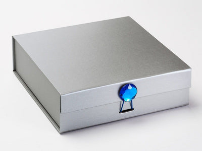 Silver Medium Gift Box featured with Tanzanite Gemstone Closure