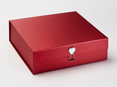 Red Folding Gift Box Featured with Diamond Heart Gemstone Closure