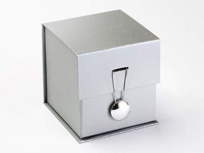 Silver Dome Gift Box Closure on Silver Large Cube Gift Box