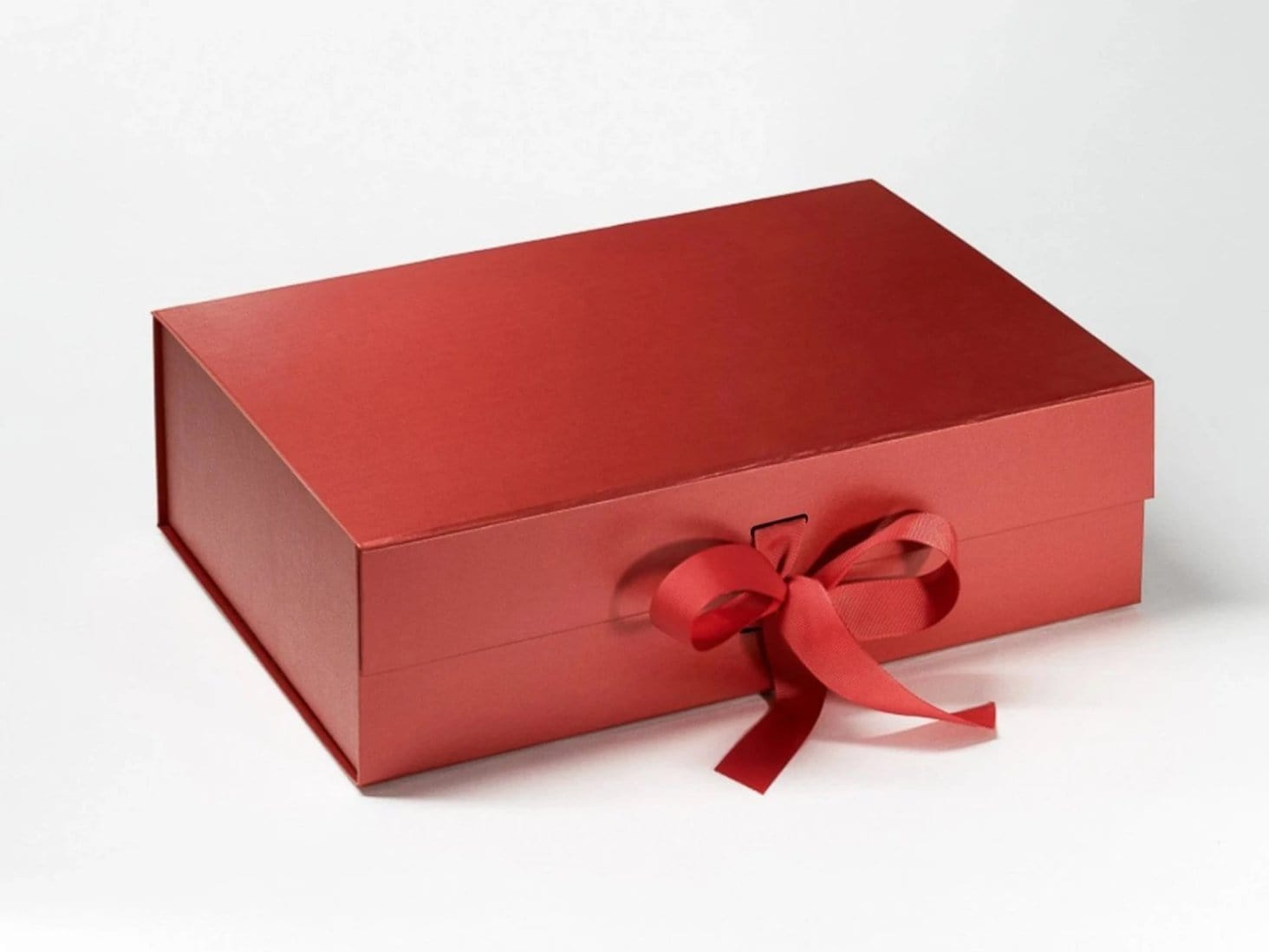 Red A4 Deep Slot Gift Box with magnetic snap shut closure