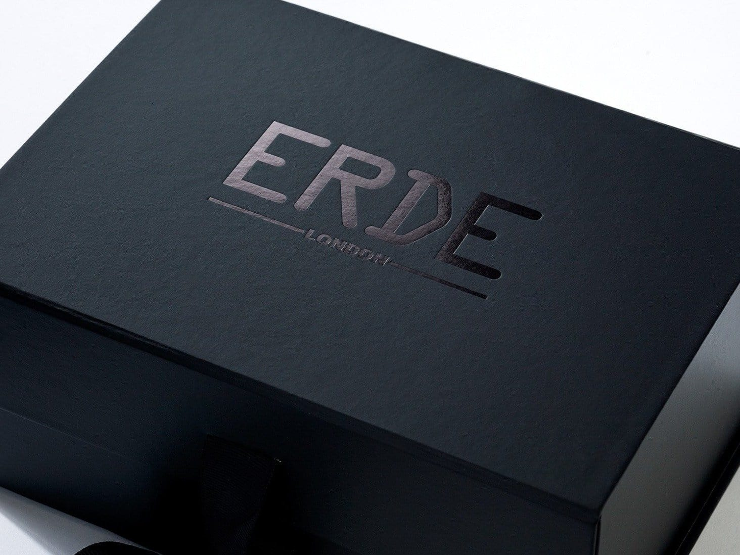 black a5 luxury foldable gift boxes and retail gift