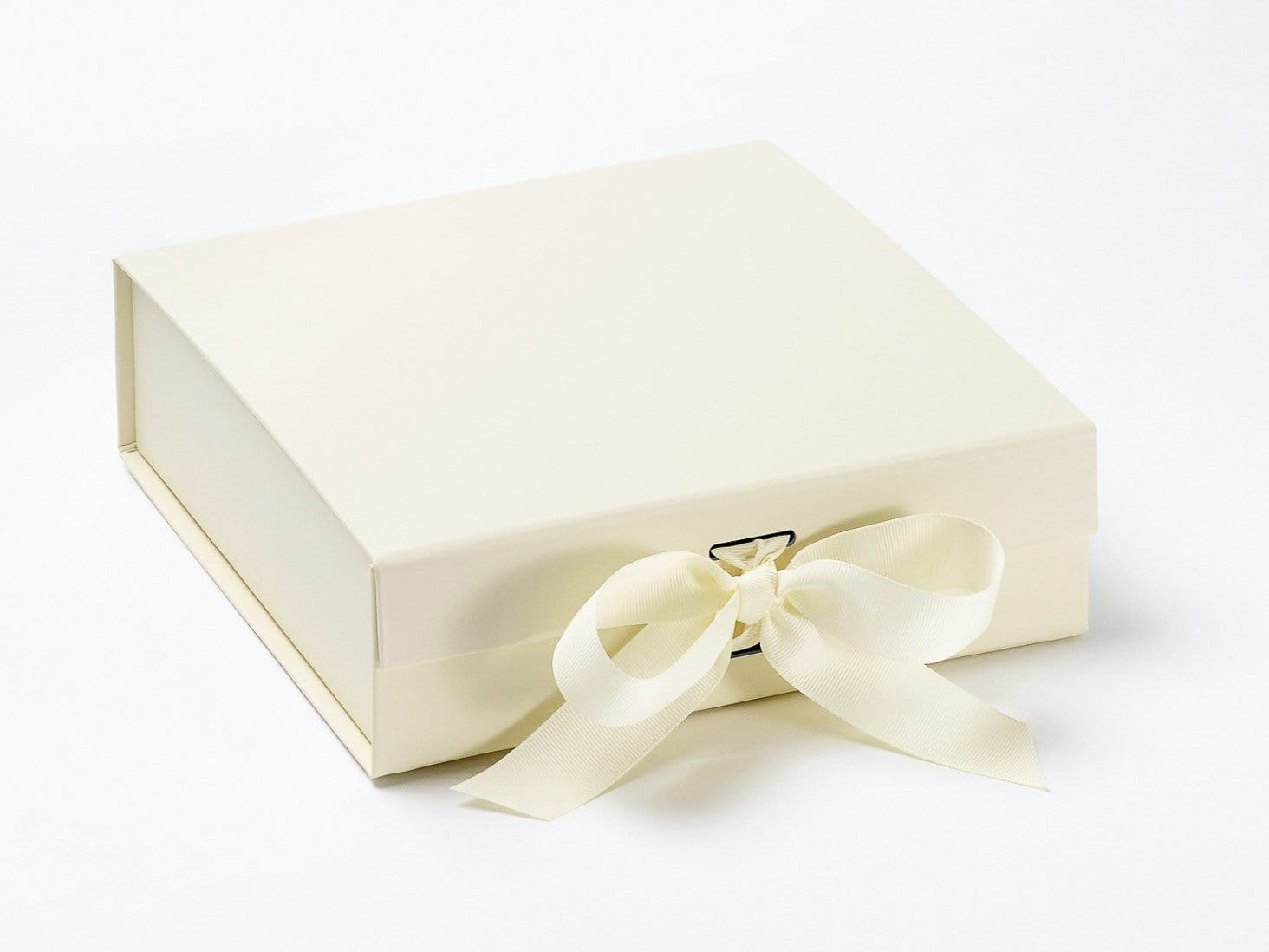 Ivory Medium Gift Boxes with Changeable Ribbon from Foldabox UK