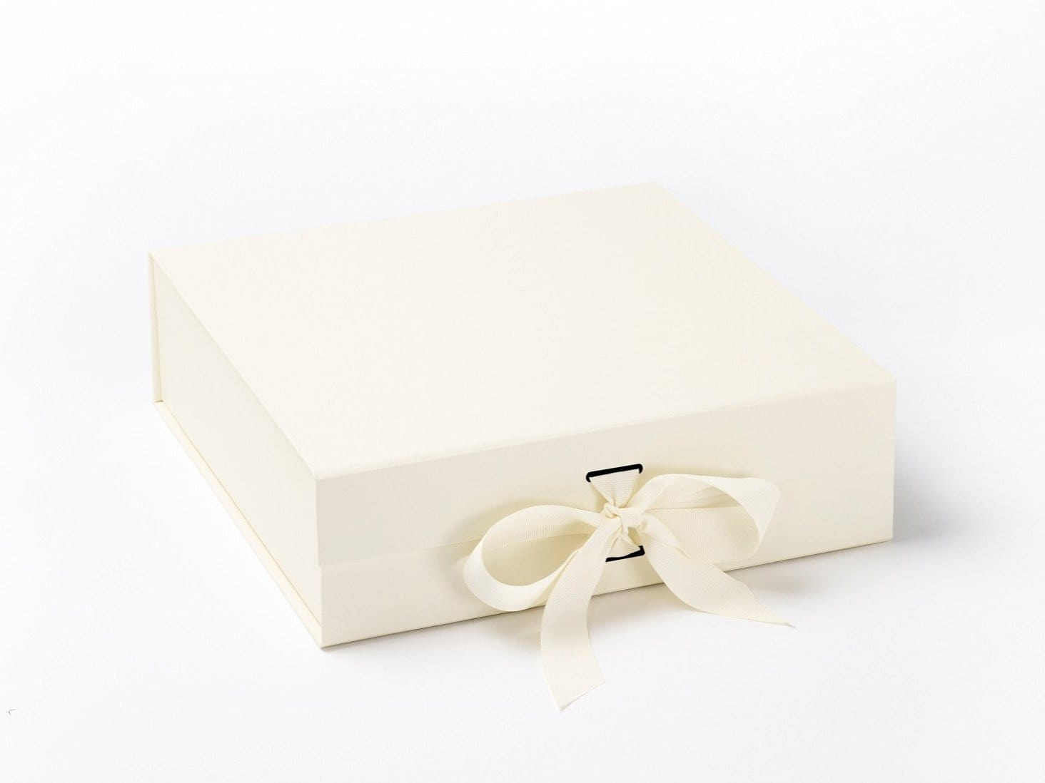 Large Ivory Folding Snap Shut Gift Box with changeable ribbon