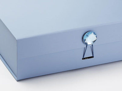 Example of Pale Blue Gift Box with Aquamarine Gemstone Closure